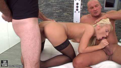 Cum-covered Vanda Lust, Scene #01