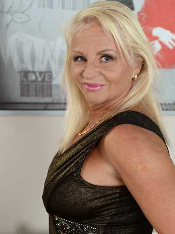 Lusty Granny Annett Craves Dark Meat, Scene #01