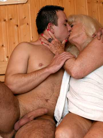 Golden Girl Sauna, Scene #01