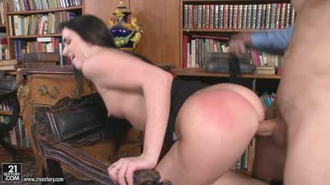 Kittina Fingers for Fun in the Library, Scene #01