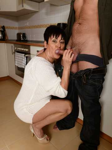 Anastasia's Morning Sweetness, Scene #01