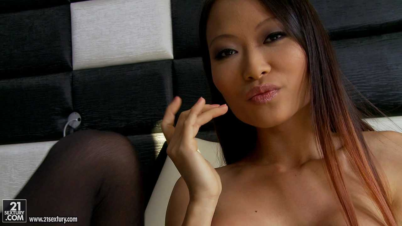Asian Hotties in Action, Scene #01